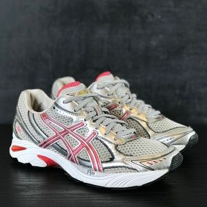 Woman's ASICS GT-2150 Sneakers Size 7.5